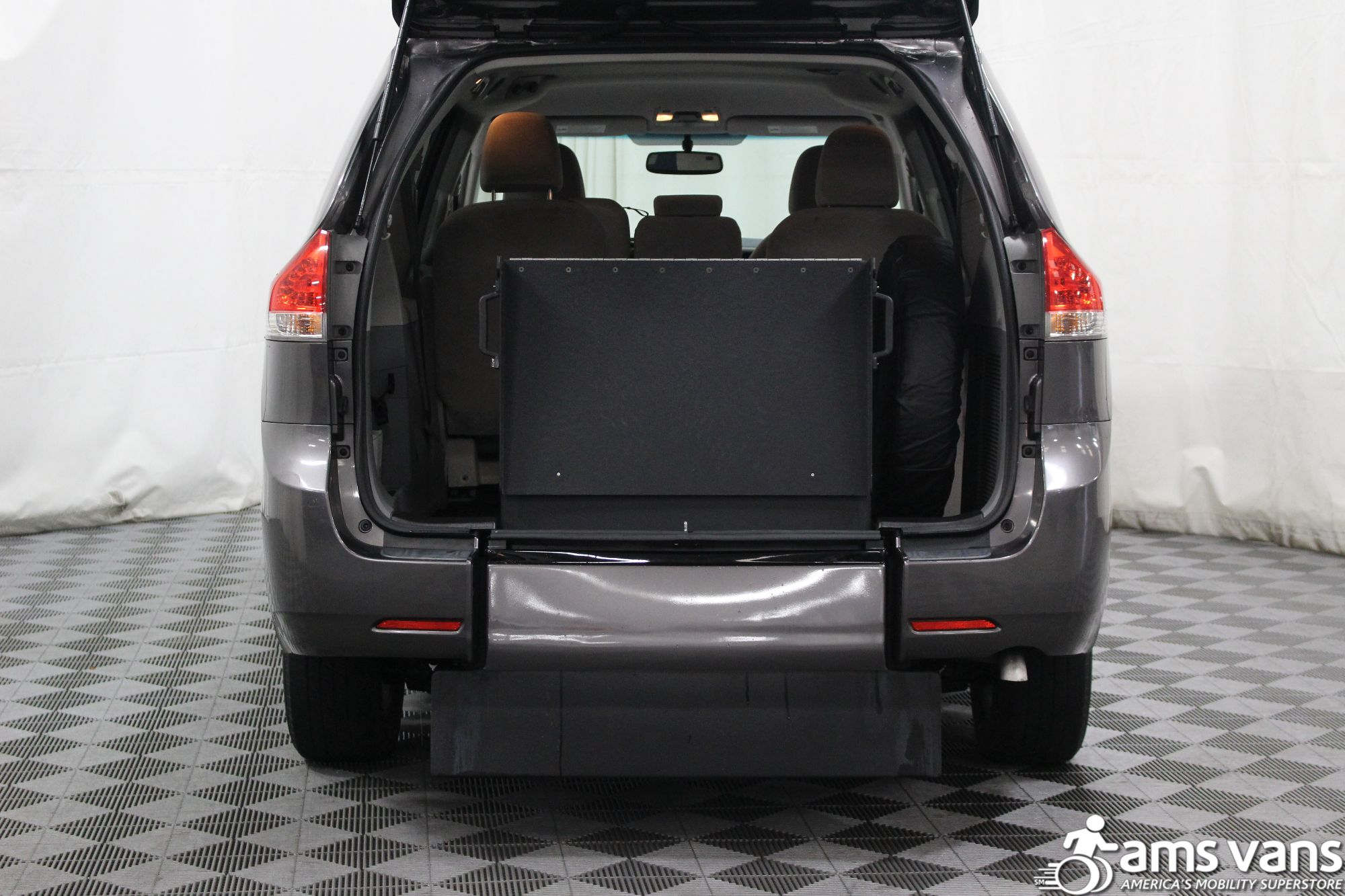 2011 Toyota Sienna LE Wheelchair Van For Sale #5