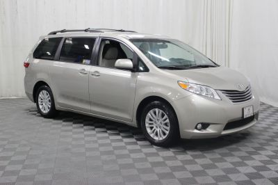 New 2017 Toyota Sienna XLE Wheelchair Van
