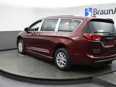 Red Chrysler Pacifica image number 3