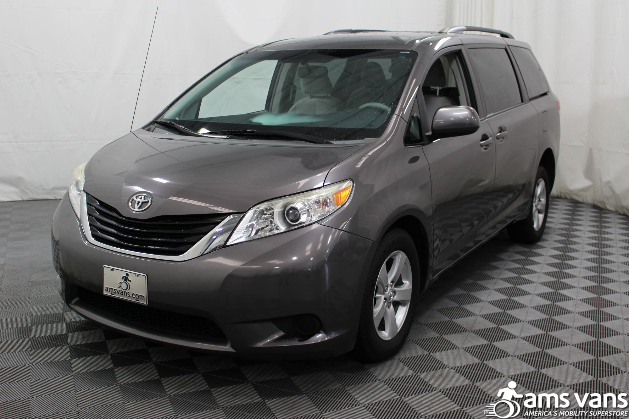 2011 Toyota Sienna LE Wheelchair Van For Sale #15