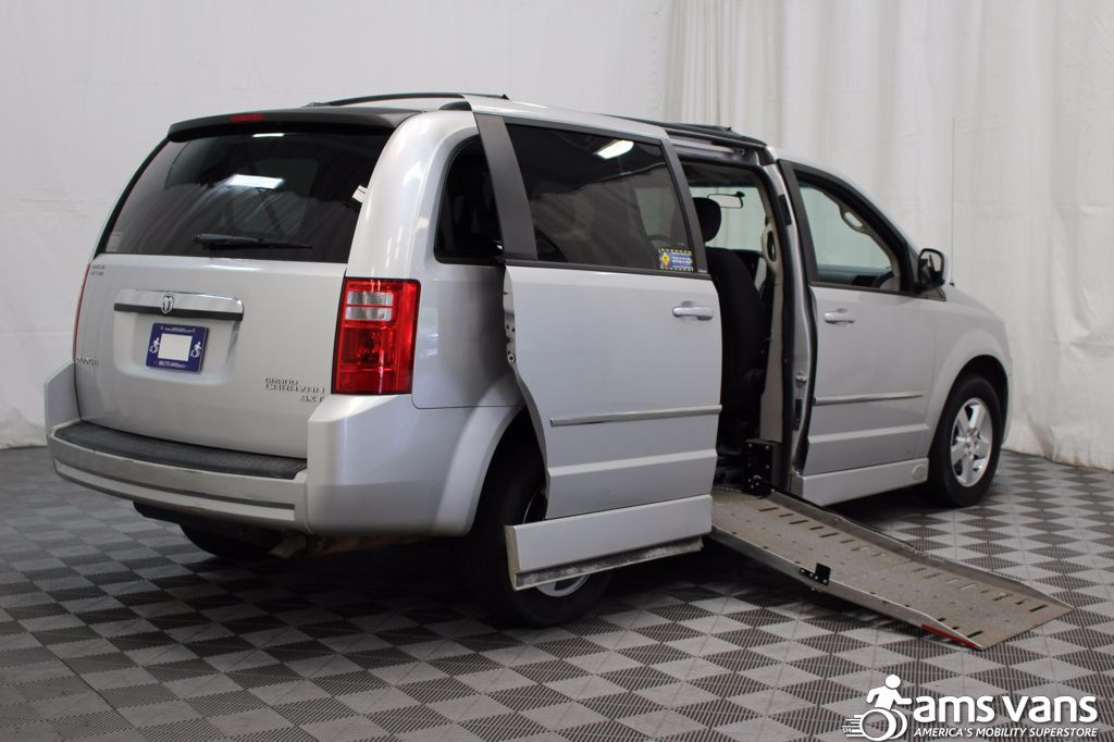 2010 Dodge Grand Caravan SXT Wheelchair Van For Sale #3