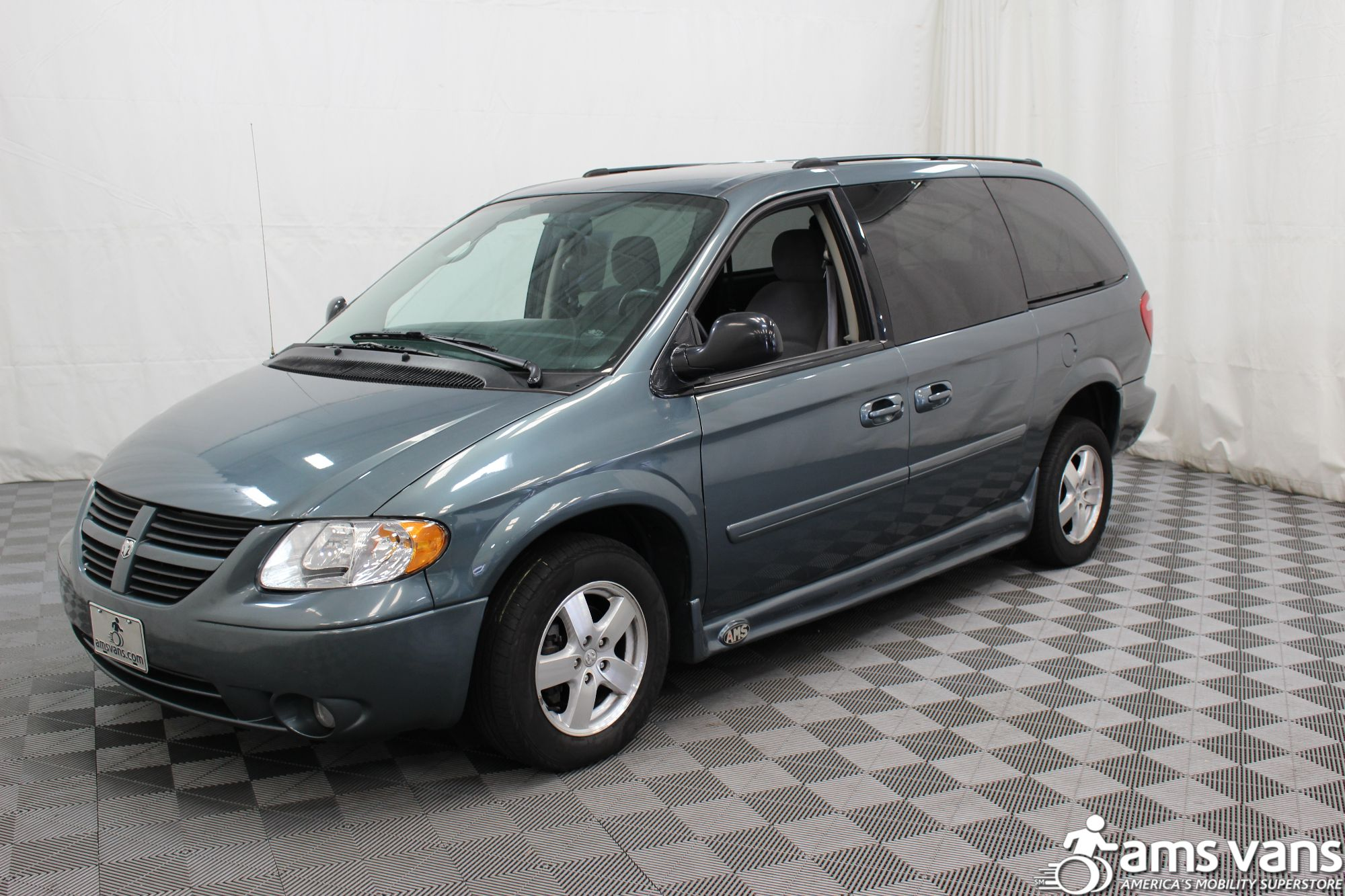 2007 Dodge Grand Caravan SXT Wheelchair Van For Sale #17