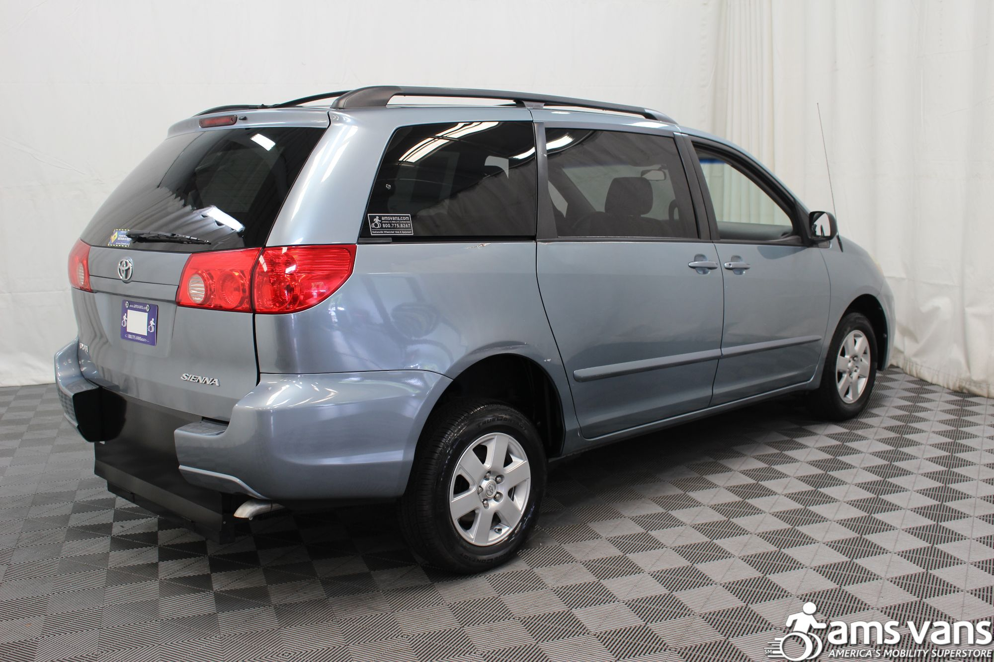 2007 Toyota Sienna LE Wheelchair Van For Sale #9