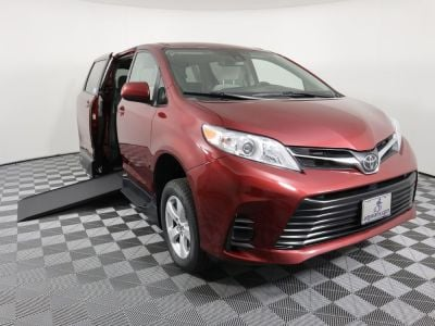 Handicap Van for Sale - 2019 Toyota Sienna LE Standard Wheelchair Accessible Van VIN: 5TDKZ3DC3KS003611