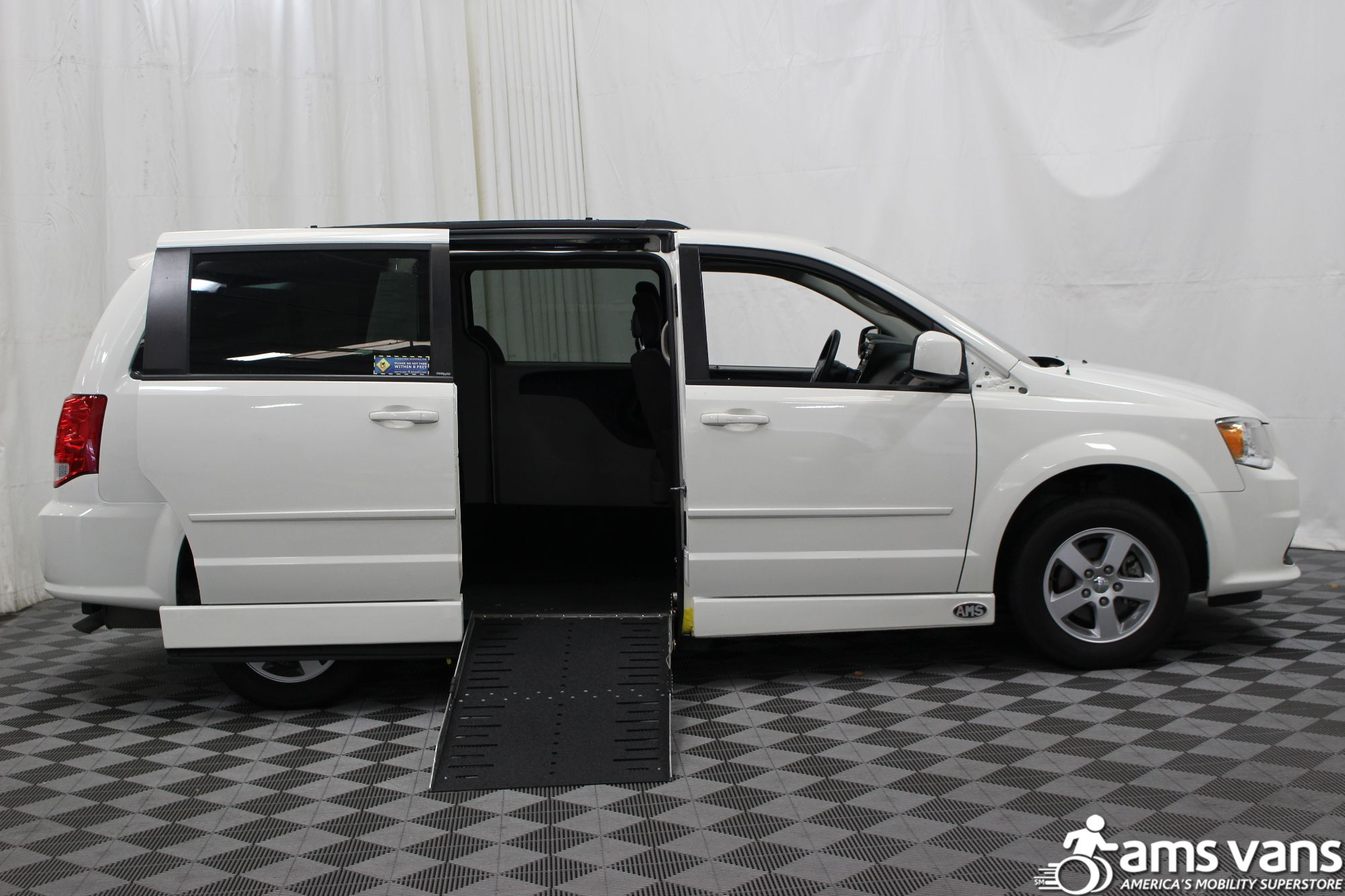 2012 Dodge Grand Caravan SXT Wheelchair Van For Sale #2