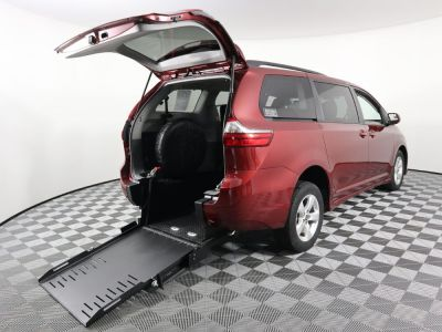 Commercial Wheelchair Vans for Sale - 2020 Toyota Sienna LE ADA Compliant Vehicle VIN: 5TDKZ3DC2LS057242