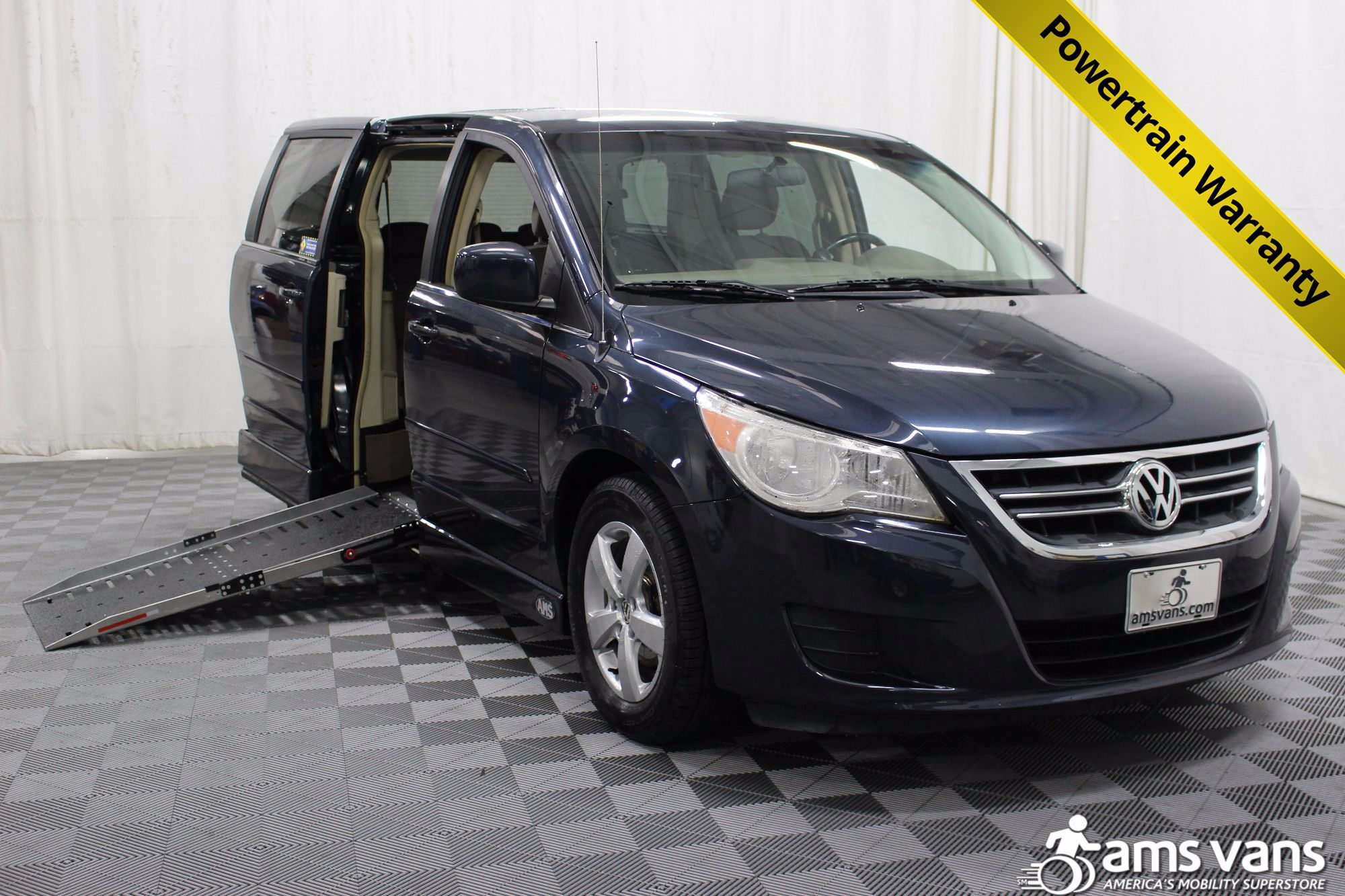 2009 Volkswagen Routan SE Wheelchair Van For Sale #1