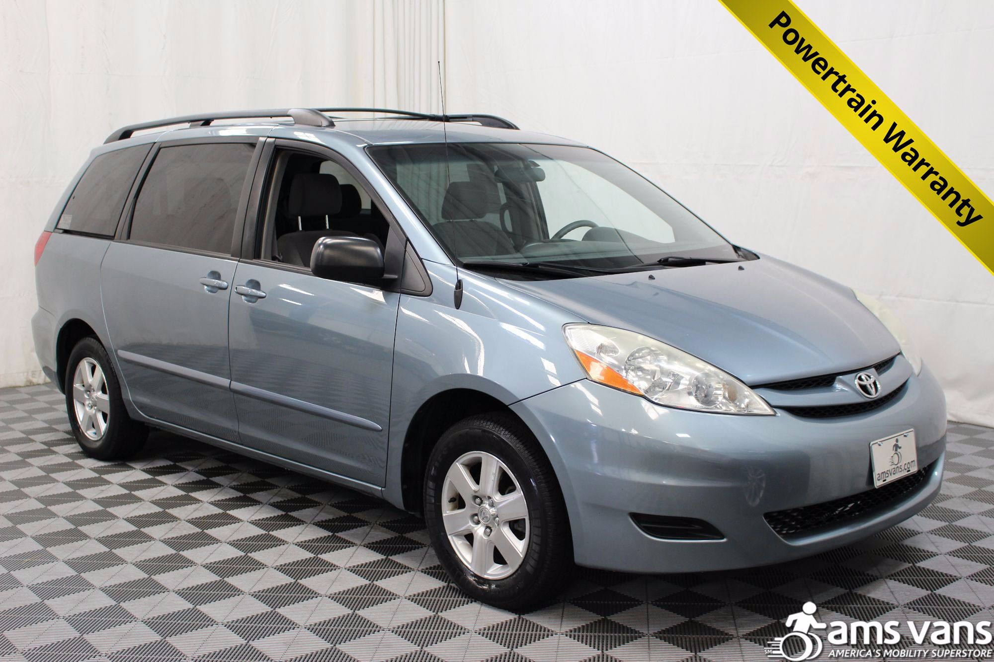 2006 Toyota Sienna LE Wheelchair Van For Sale #1