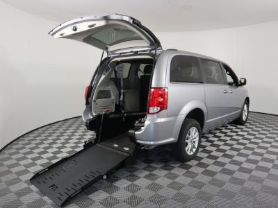 Commercial Wheelchair Vans for Sale - 2019 Dodge Grand Caravan SXT ADA Compliant Vehicle VIN: 2C4RDGCG1KR580624