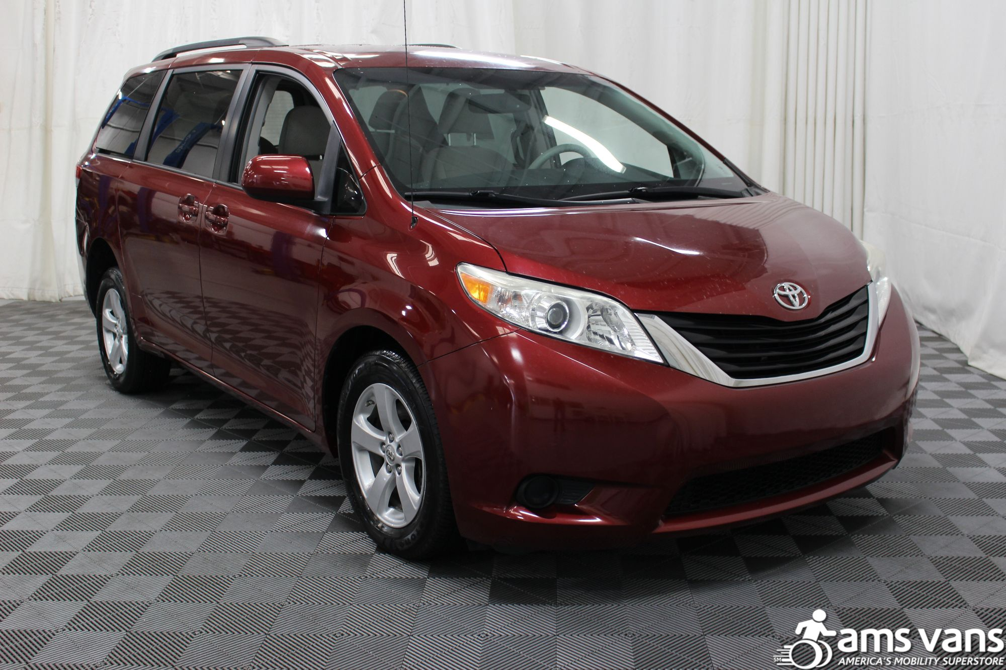 2011 Toyota Sienna LE Wheelchair Van For Sale #8