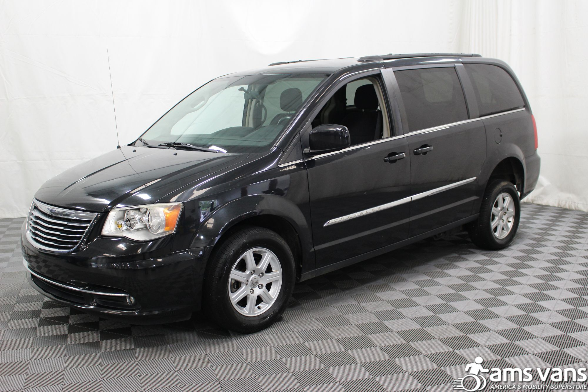 2011 Chrysler Town and Country Touring Wheelchair Van For Sale #14